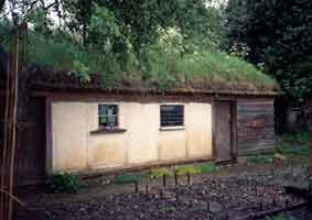 http://www.strawbale-building.co.uk/images/neilm3.jpg