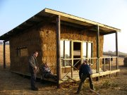 Click the picture for more about my strawbale build in 24 hours for UK Style TV